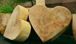 Creativos regalos para aniversarios de boda de madera