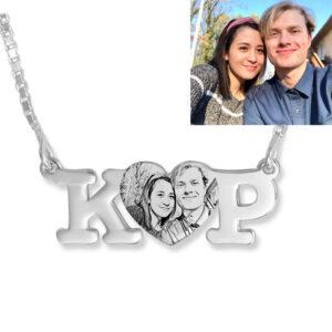 Collar en plata con iniciales nombre y foto grabada