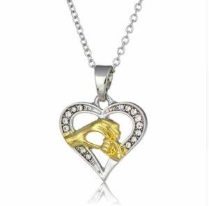 Collar en plata forma corazón para mamás gestantes