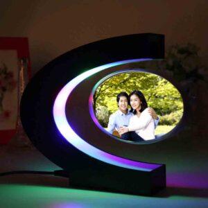 Regalo de boda electrónico con levitación magnética foto