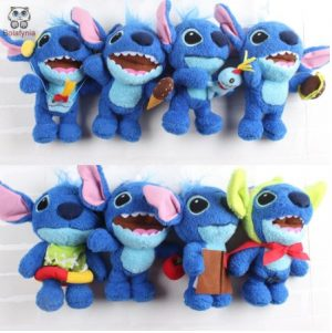8 peluches de stitch