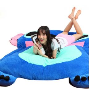 peluche sofa cama de stitch